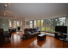 Spacious 2 bedroom plus den apartment in Yaletown with excellent layout and a large outdoor terrace